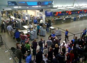 20100105_security-lines-at-msp_33